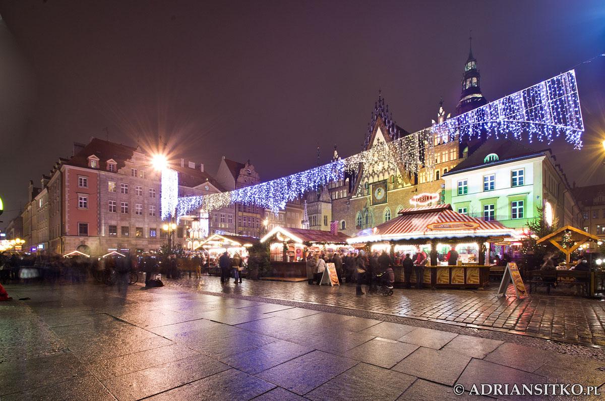Rynek w czasie jarmarku świątecznego